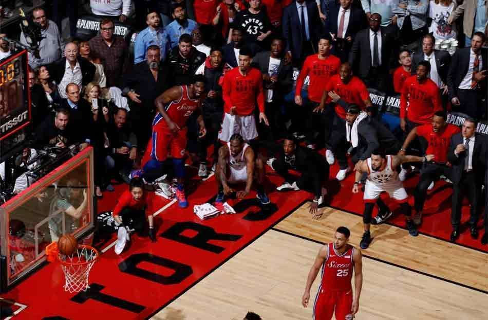 Cesta do Toronto Raptors no último minuto